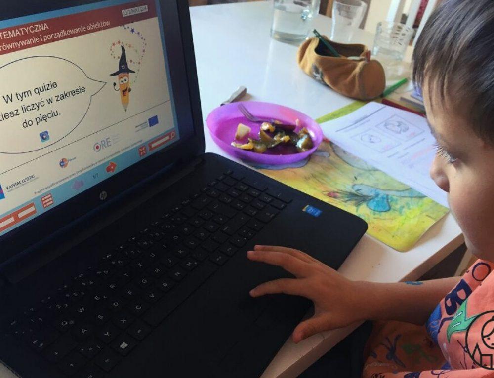 Dwujęzyczność do kwadratu – nasza domowa edukacja polonijna przez internet