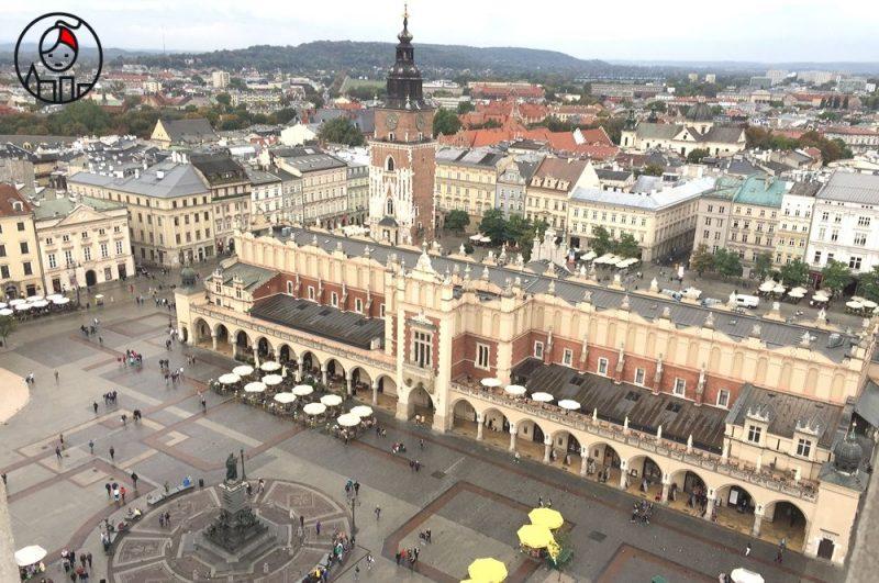 Szopka-dla-Krakowa_partnerstwo-miast-Frankfurt-Kraków_Sukiennice